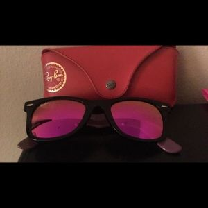 Woman's Ray Bans wayfarer